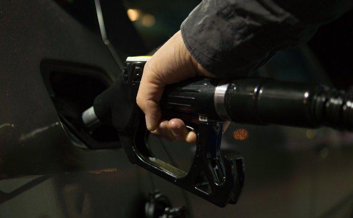 2-fuel-_zapravka_toplivo_benzin