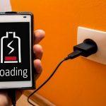 Можно ли оставлять зарядное устройство в розетке?